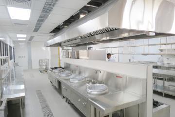 Thiết bị bếp công nghiệp trường học đảm bảo vệ sinh an toàn thực phẩm