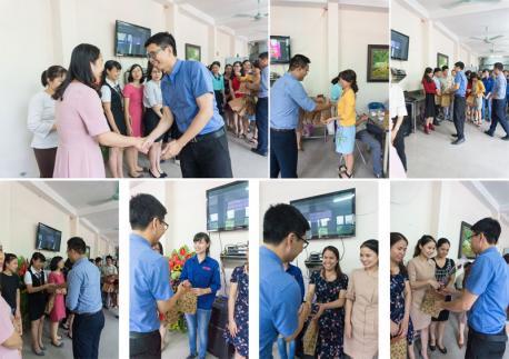 Bữa tiệc mừng 20/10 đầy bất ngờ và ý nghĩa dành cho các chị em Hà Yến