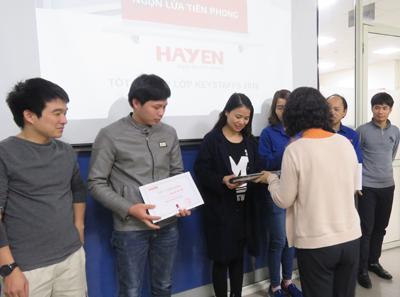"""Lễ tốt nghiệp lớp CHỒI - chương trình đào tạo """"Vươn tới ước mơ"""" của Công ty CP Hà Yến"""