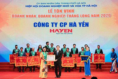 Hà Yến vinh dự 6 năm liên tiếp nhận khen thưởng của UBND TP. Hà Nội