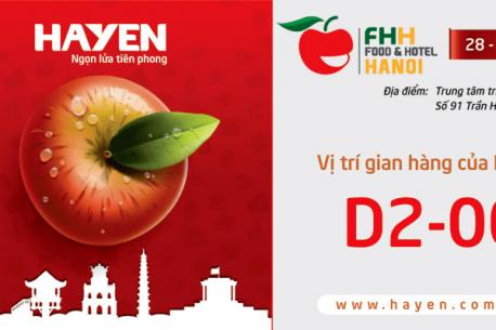 Hà Yến tham gia hội chợ Food&Hotel Hà Nội năm 2018.
