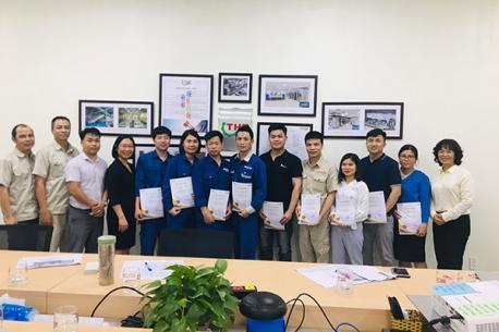 """Lễ tốt nghiệp lớp MẦM khóa 4 – Chương trình đào tạo """"Vươn tới ước mơ"""" của Hà Yến"""