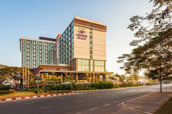 Khách sạn Crown plaze Lào